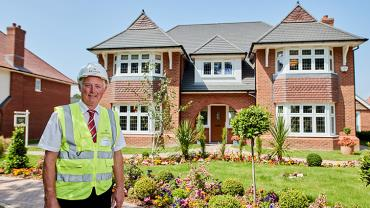 Teaser - Site manager John Smith outside the show homes at Allerton Gardens