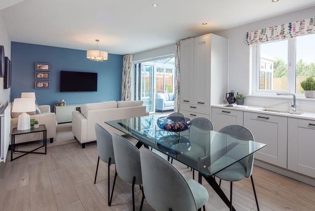 Cambridge-kitchen-dining-52228