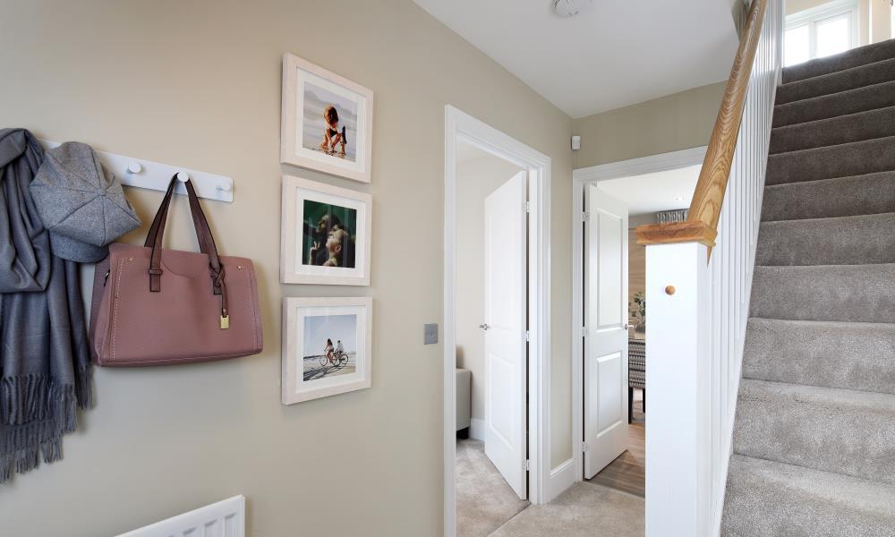 46861 - Downstairs hallway