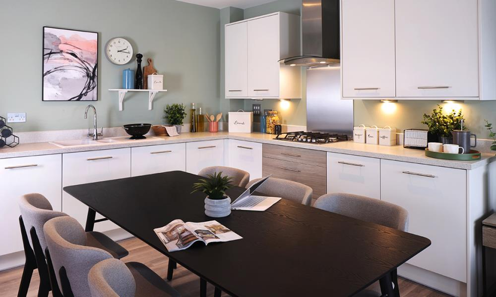 53308 - Main kitchen