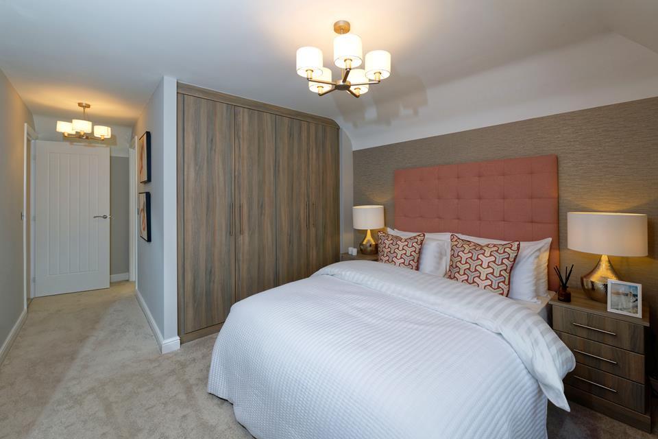51893 - Master bedroom 1