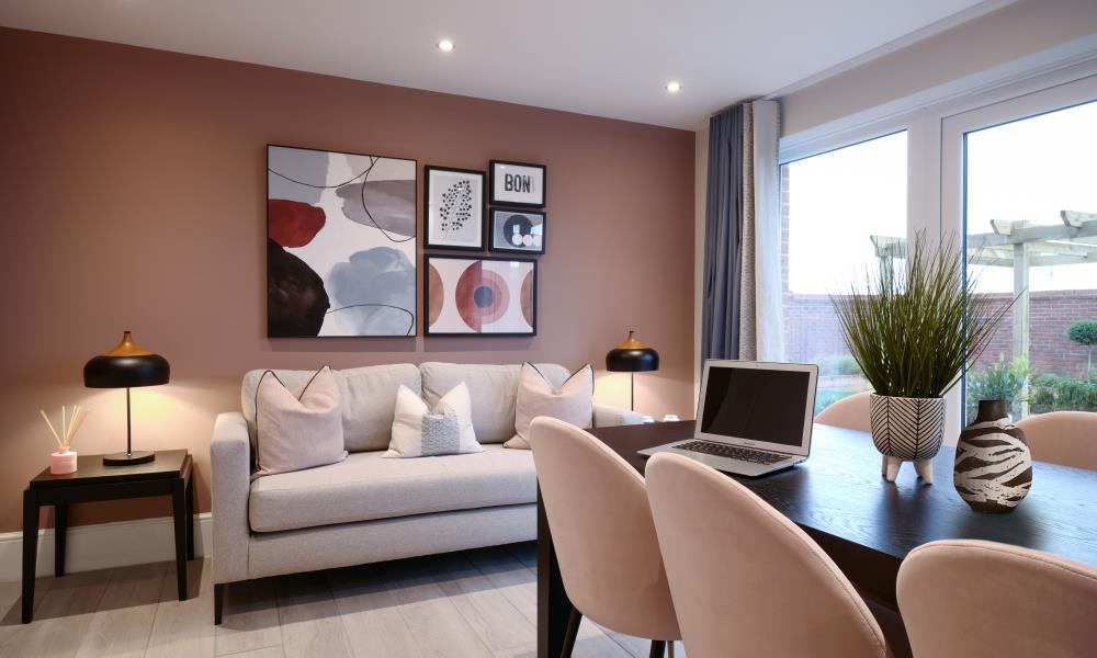 52703 - Dining living area
