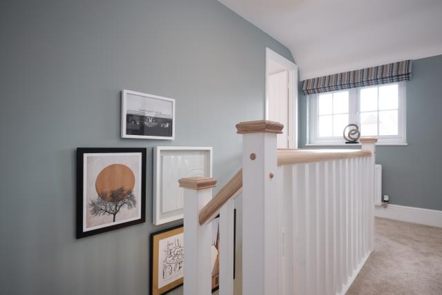 52646 - Hallway upstairs