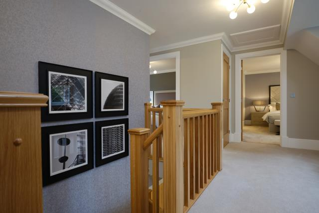 51496 - Upstairs hallway
