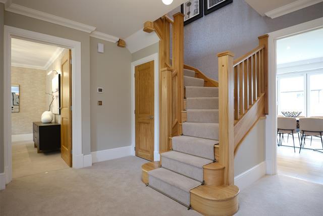 53091 - Downstairs hallway