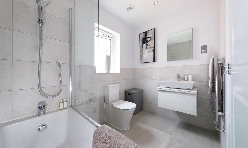 47501 - Main bathroom
