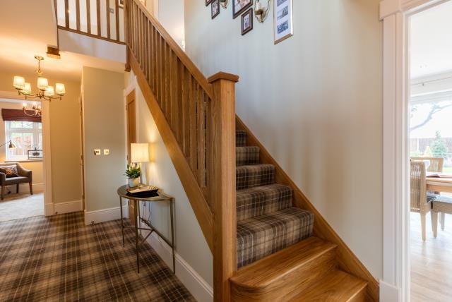 34687 - Downstairs hallway