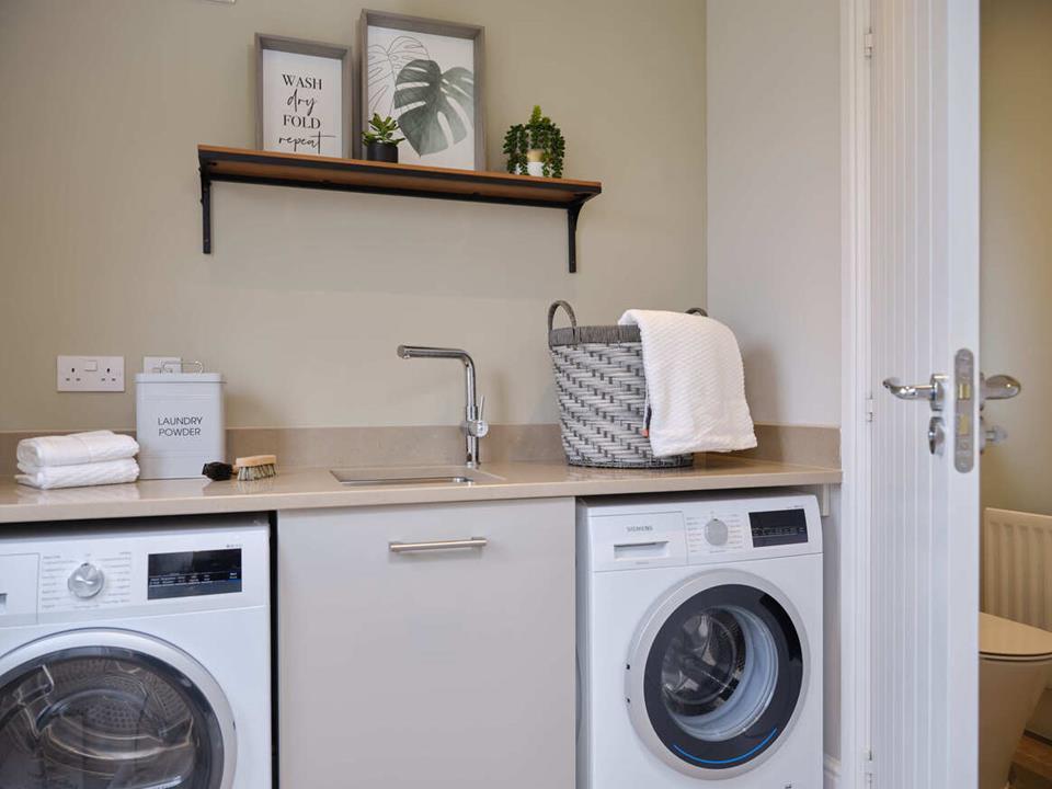 51250- Oxford Lifestyle Internal Utility Room