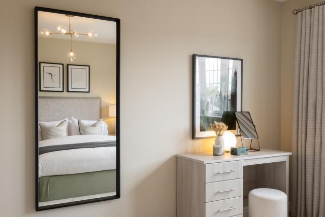 Redrow MonchelseaPark Canterbury Bedroom1 2674