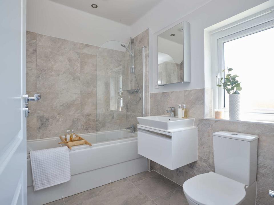 51669- Cambridge Bathroom
