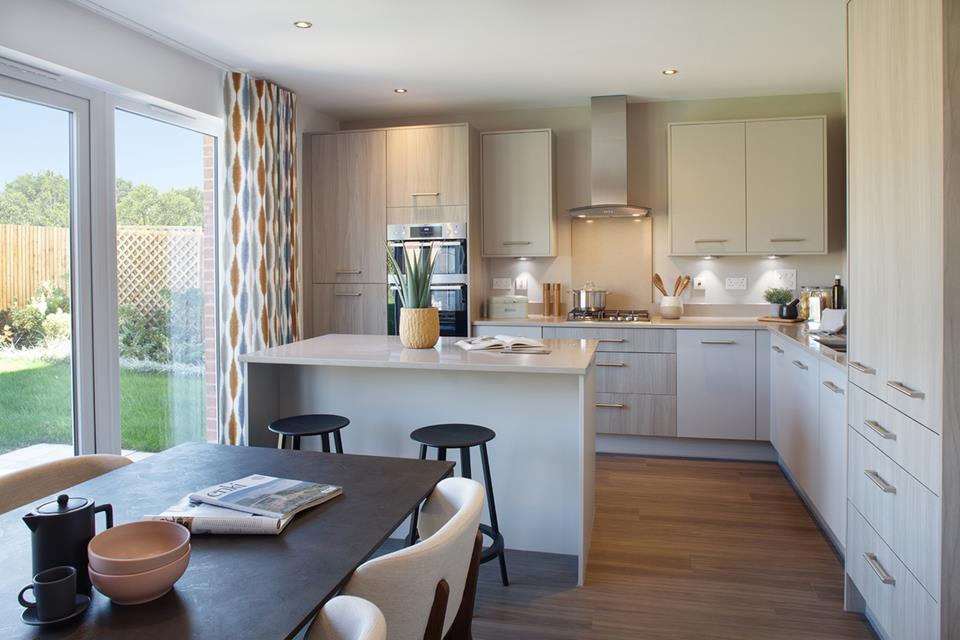 52255- Oxford Lifesytyle Internal Kitchen with Island