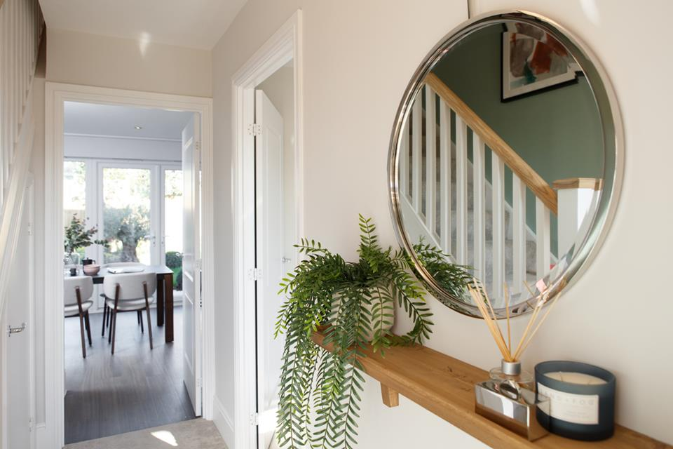 52257- Oxford Lifestyle Hallway