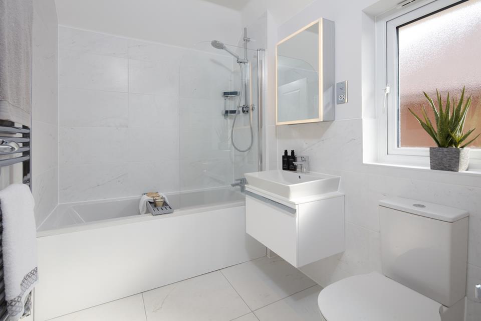 52247 - Cambridge Bathroom