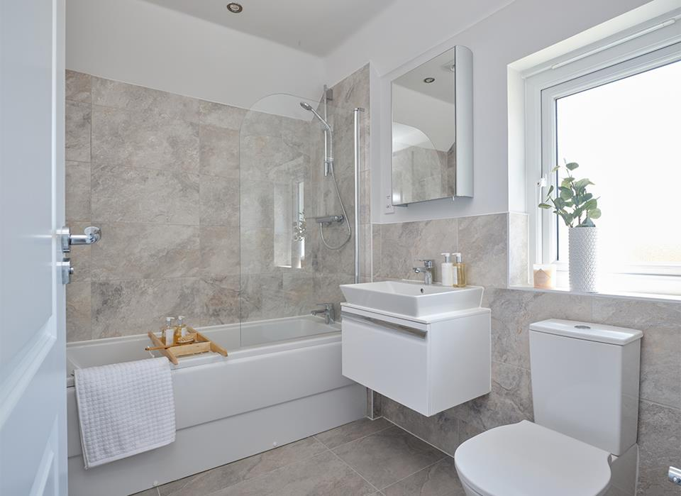 53101 - Cambridge bathroom