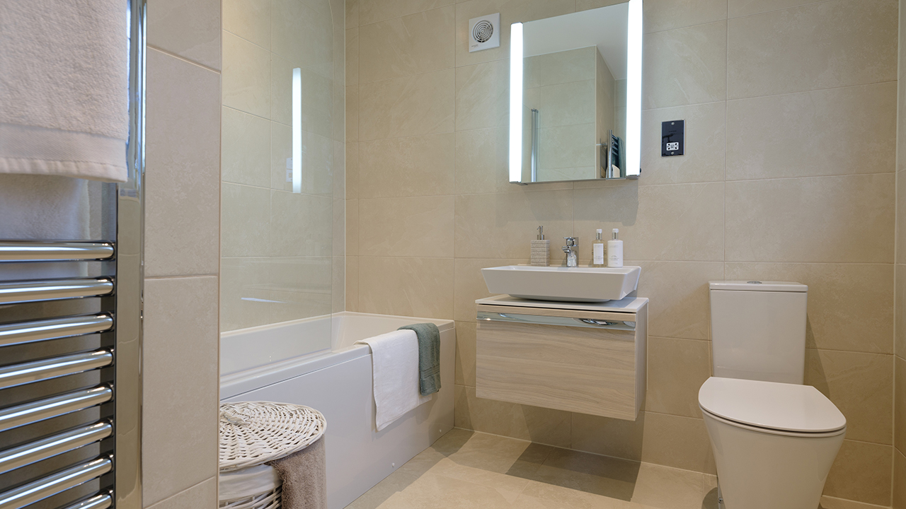 CP - Henley - bathroom - 41545