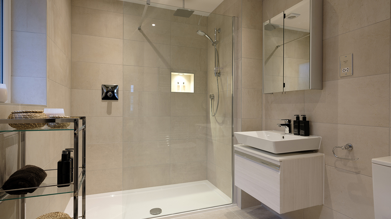 CP - Henley - bathroom - 41555