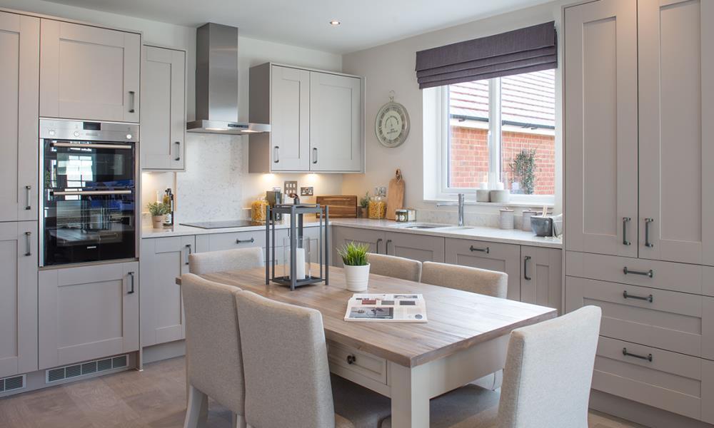 Rayne Gardens - Shaftesbury - 42324 - kitchen