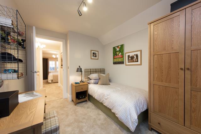 Rayne Gardens - Shaftesbury - 42333 - bedroom