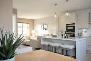 Dining_Kitchen_Family-50246