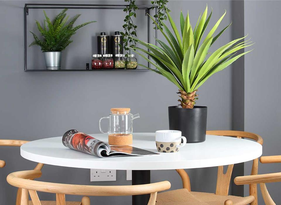Kitchen-table-48276