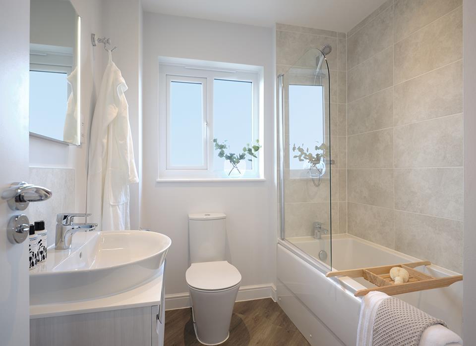 The Grange - bathroom - 46801
