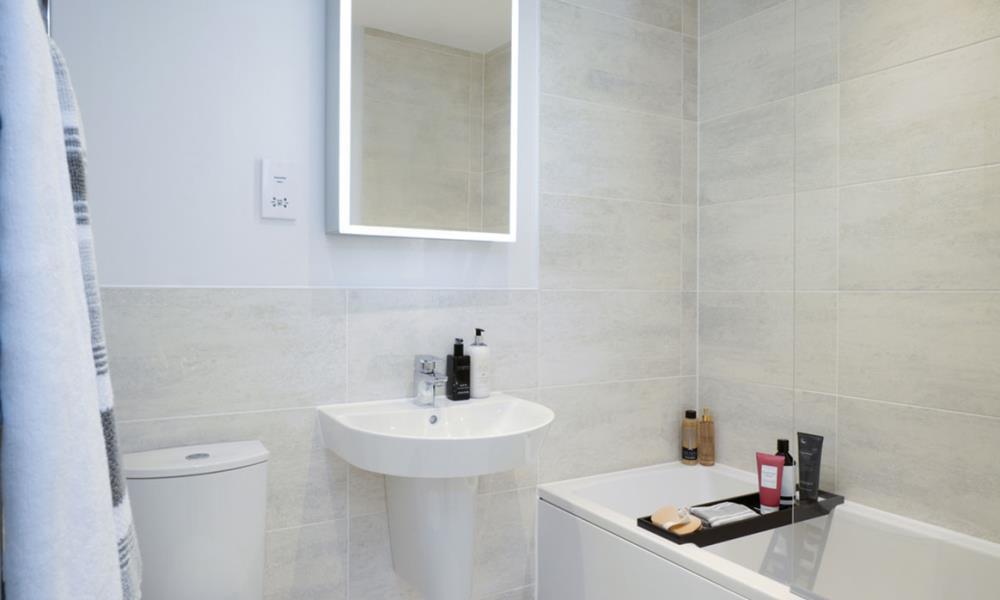Kensington-main-bath-52719