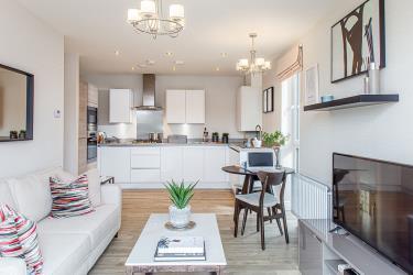 Regent-quay-apts-kitchen-living