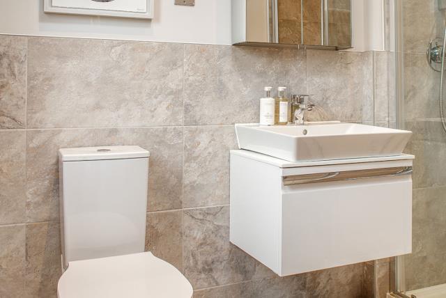 Bathroom-52198