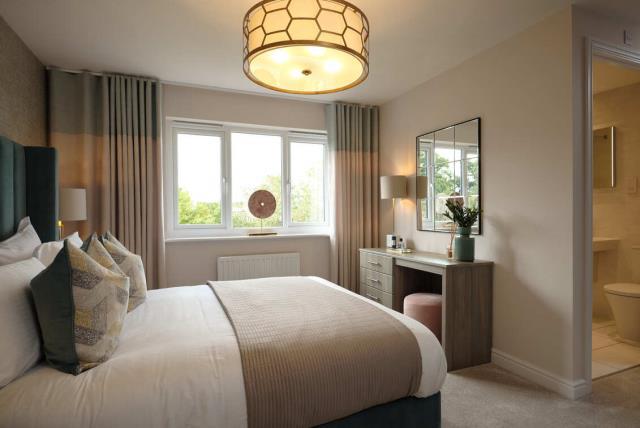 52326-bedroom