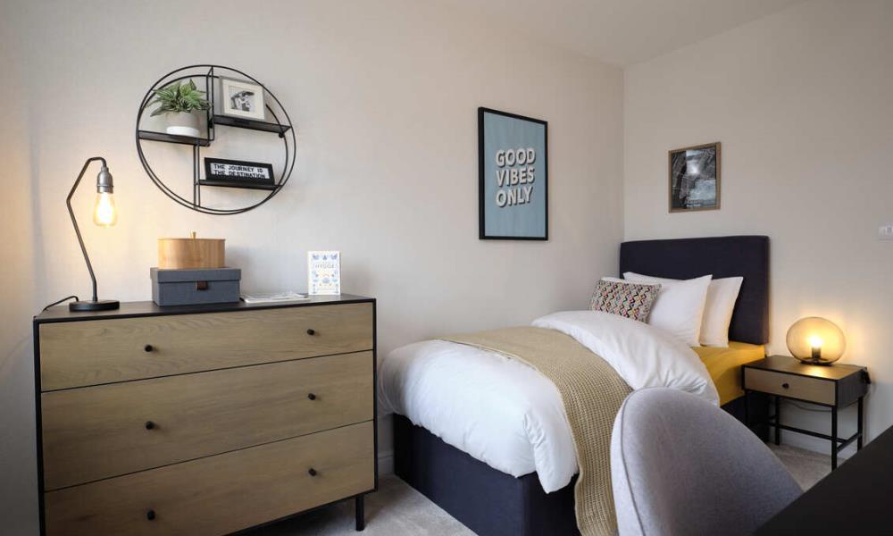 52340-bedroom