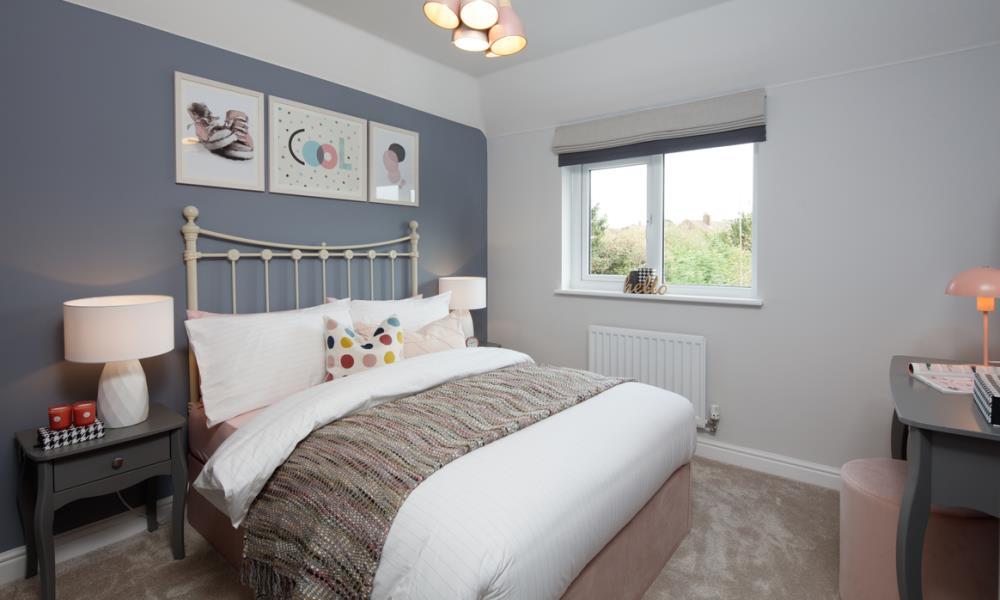 52245-bedroom