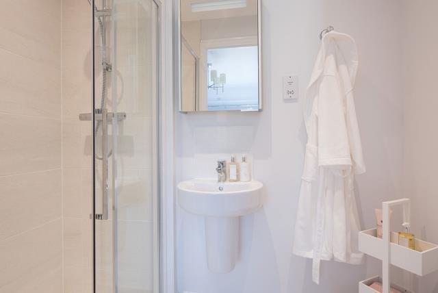 Ludlow-Bathroom-44294