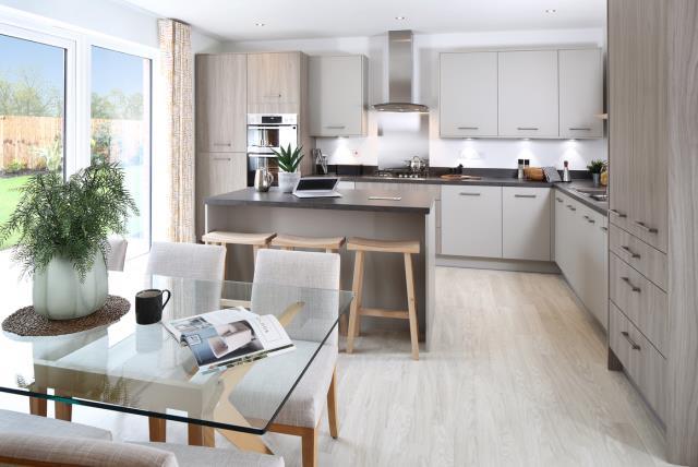 51131-dining-kitchen
