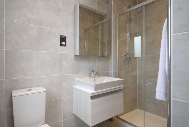 FrenchayGardens-Lancaster-Bathroom-46603