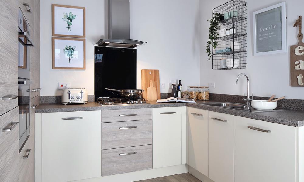 47977-kitchen