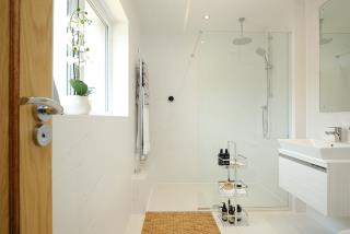 Bathroom-53059