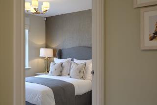 Hadleigh---bedroom-hall---47366