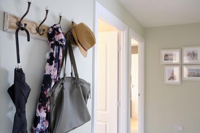 Hadleigh---hallway---47367