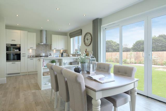 Balmoral-Kitchen-Dining-44132