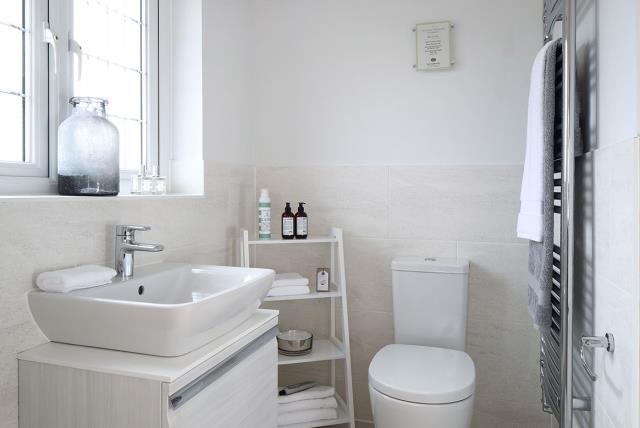 Canterbury-Bathroom-37369