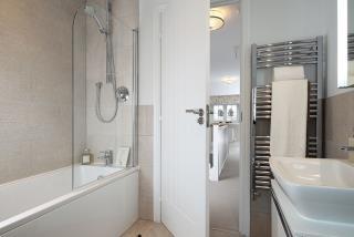 Harrogate-Bathroom-36576