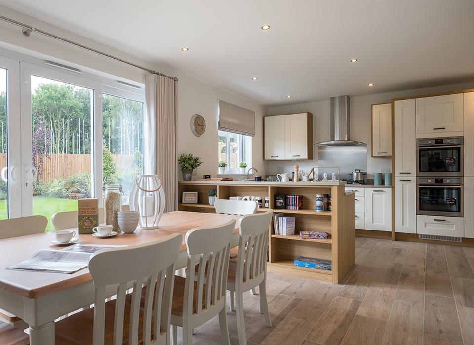 Henley-dining kitchen-37779