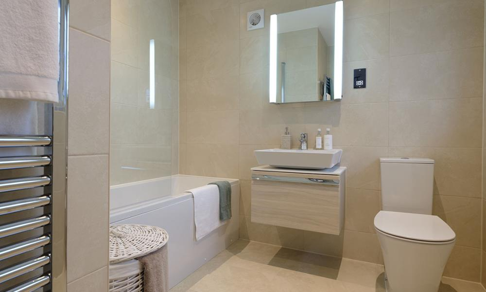 Henley-Bathroom-41545