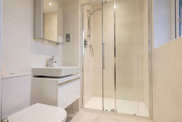 Henley-Bathroom-41557