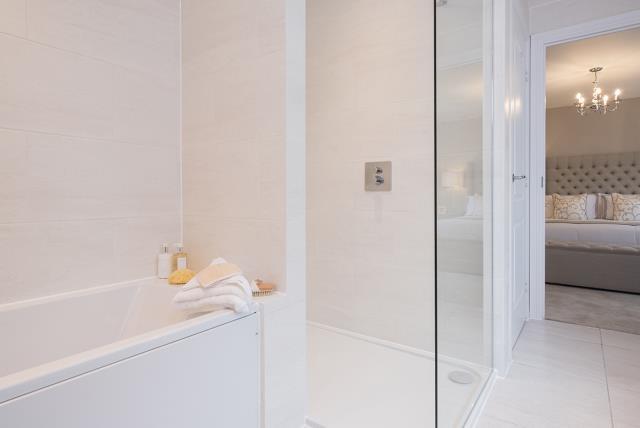 Leamington Lifestyle-bath-40539
