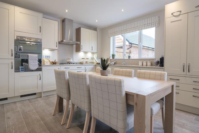 Leamington Lifestyle-kitchen-40518