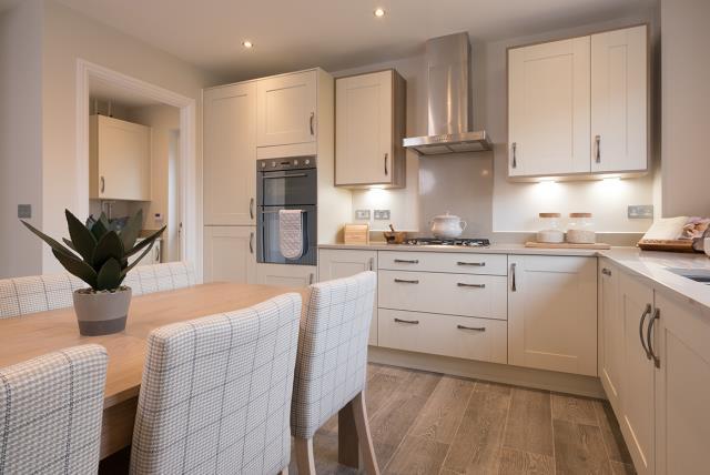 Leamington Lifestyle-kitchen-40520