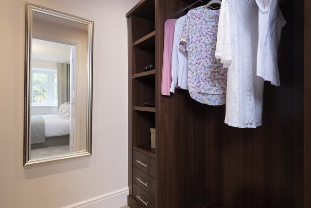 Leamington Lifestyle-wardrobe-40542