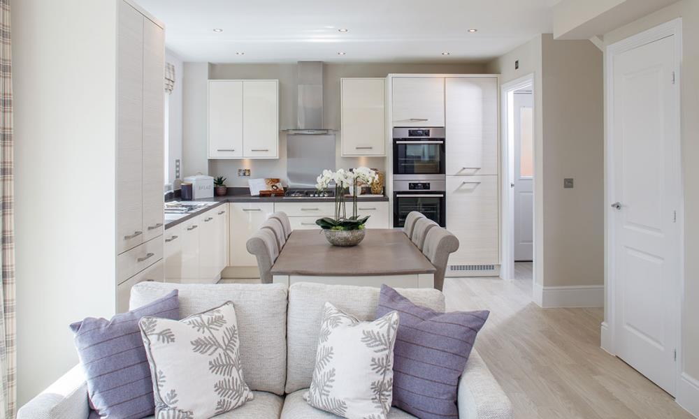 Leamington-Kitchen-Dining-Family-43005