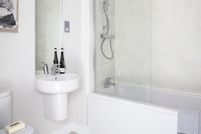 Ledbury-Bathroom-27854